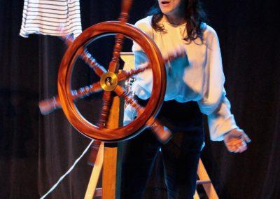 scène de la pièce de théâtre L'atlantide, photo du diaporama du spectacle.