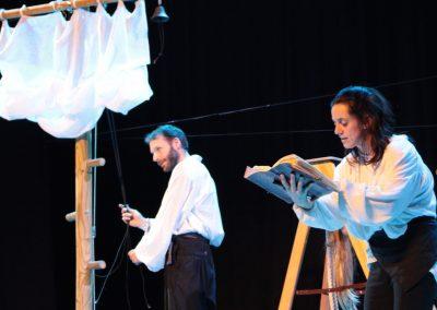 Photo d'une scène du diaporama du spectacle L'atlantide - de la compagnie Mascarille