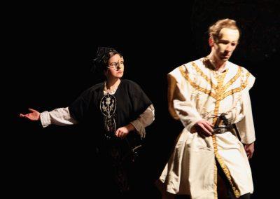 Photo d'une scène du spectacle Le prince de la forêt - adaptation de Robin des bois par la compagnie Mascarille