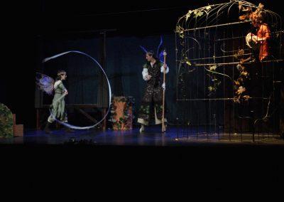 Photo d'une scène du spectacle songe d'une nuit d'été - pièce de théatre mise en scène par la compagnie Mascarille